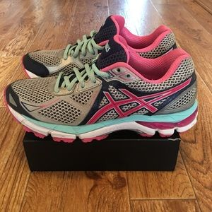 Asics GT-2000 V3 Women's Running Shoes Size 7.5
